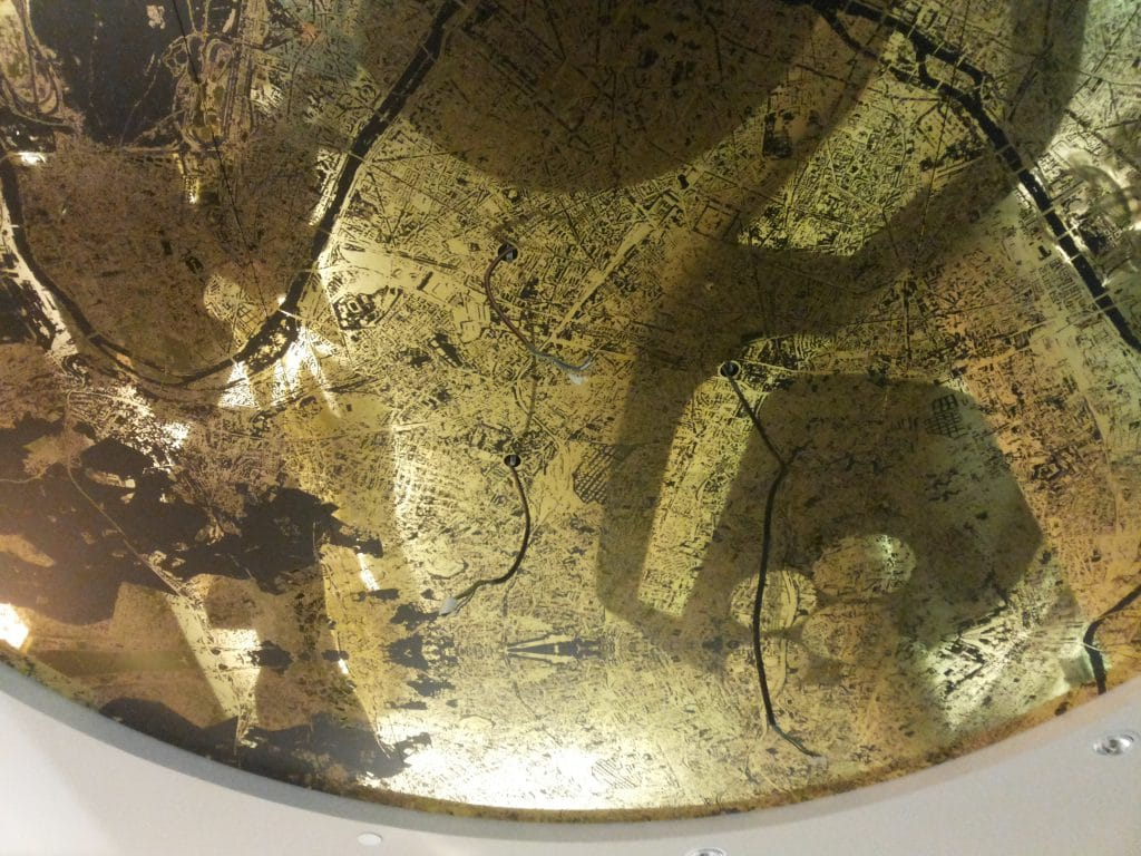 plafond-tendu-miroir-couleur-or-imprime-like-mirror-mirolege-paris-defense-hotel-melia