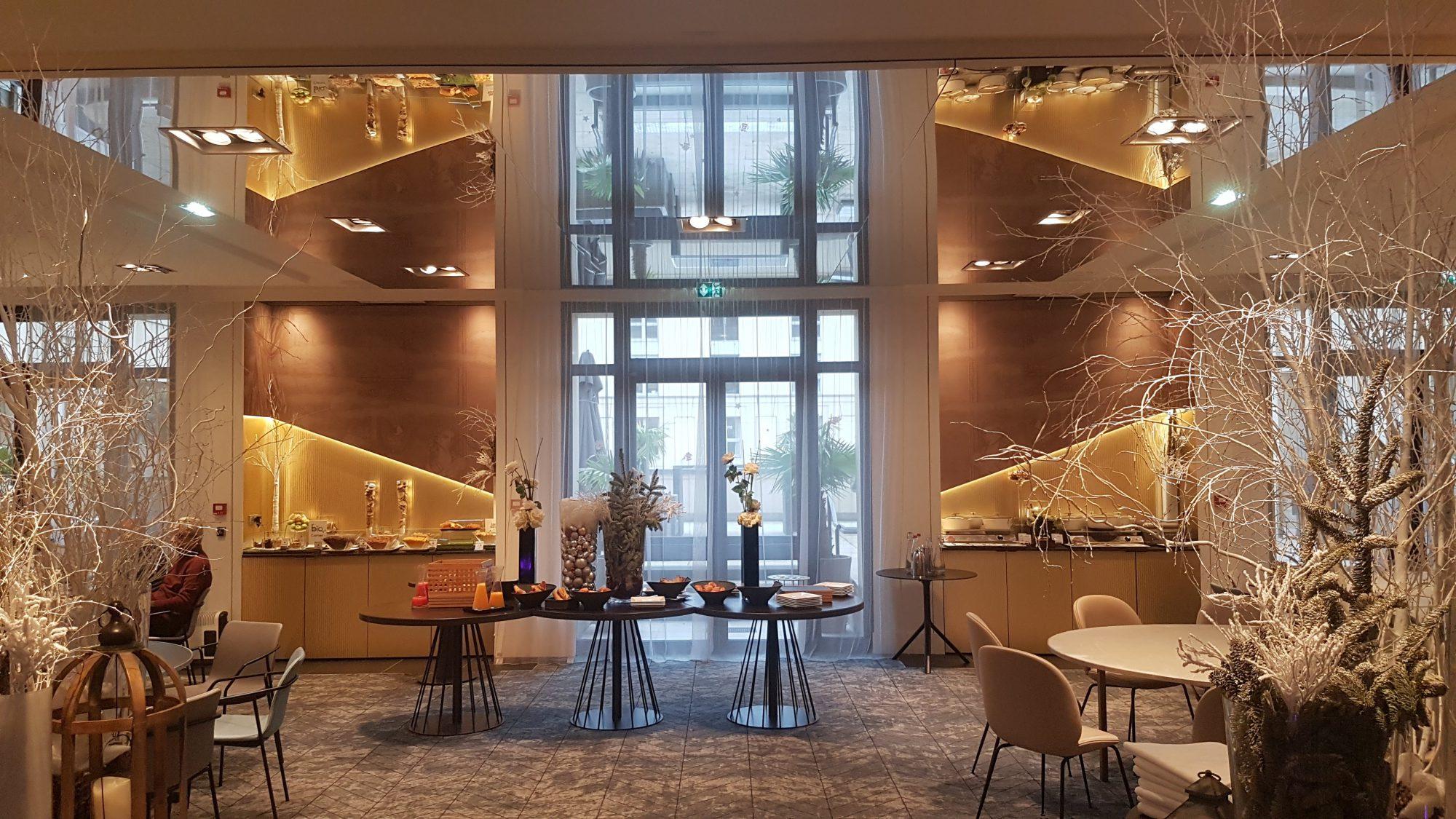 Miroir grande taille HD plafond tendu Hotel Pullman Versailles